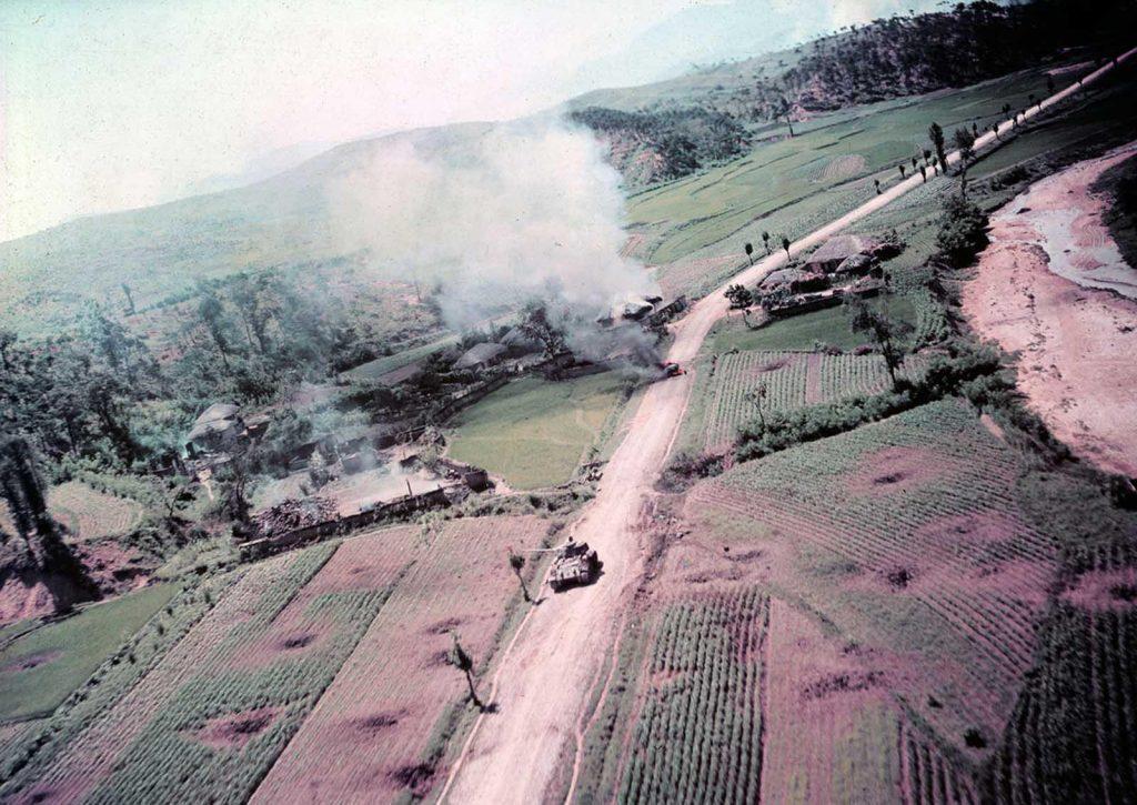 Этот снимок был сделан самолетом-разведчиком ВВС США RF-80.