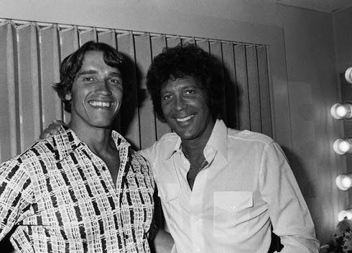 Арнольд Шварценеггер и Том Джонс, 1977 год.