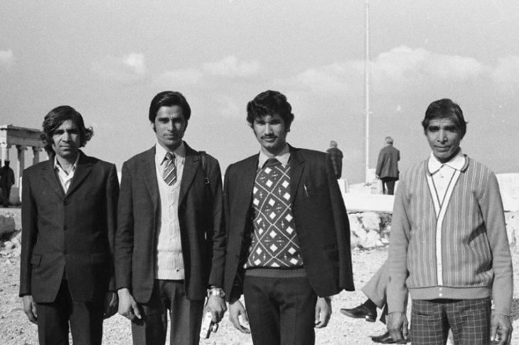 Мужчины возле развалин Парфенона, 1974 год.