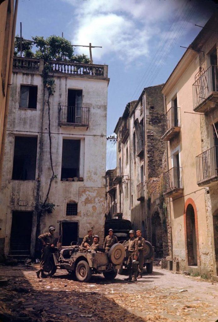 Американские солдаты отдыхают, Итальянская кампания, Вторая мировая война 1944 год.