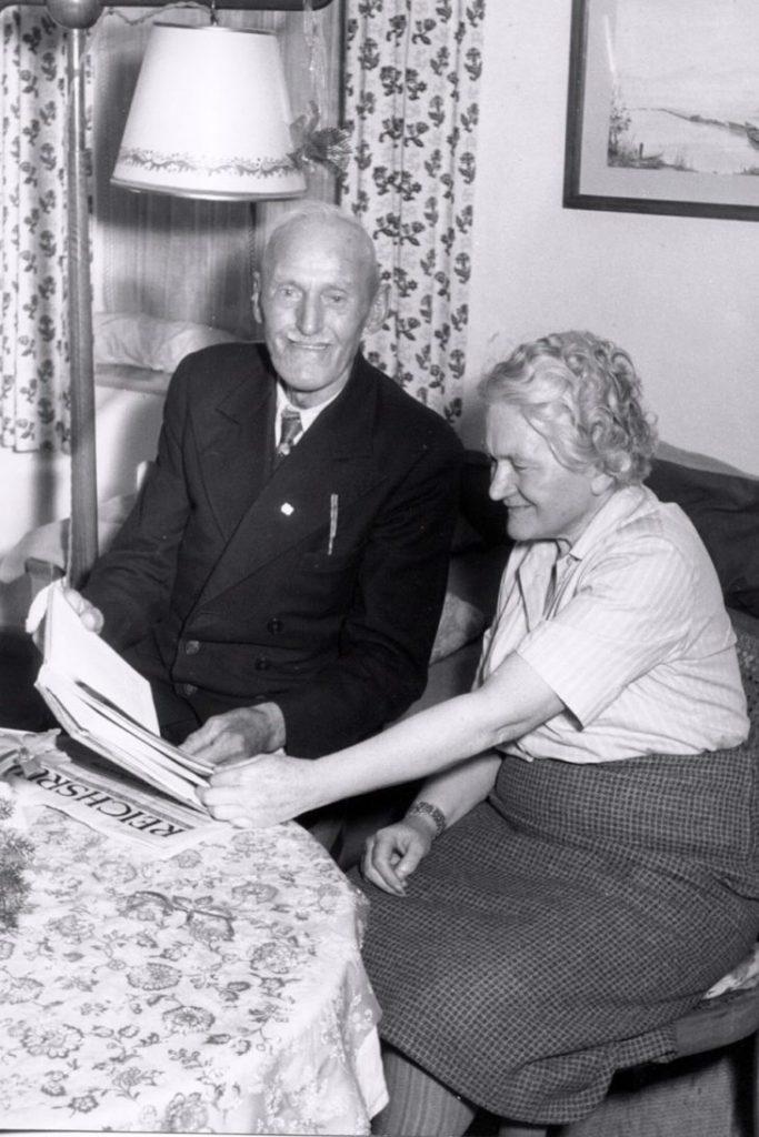Паула Гитлер и Йоанн Лангвейдер, 1959 год.