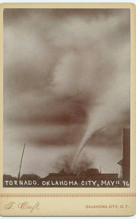 12 мая 1896 года, фотография Томаса Крофта в Оклахома-Сити.