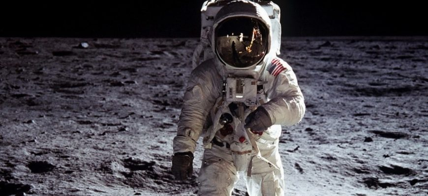 Первый человек на луне, 1969 год.