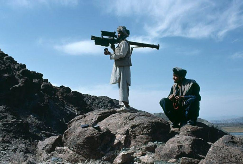 В ходе войны ЦРУ отправило 2300 ракет «Стингер» различным вооруженным силам моджахедов по всему Афганистану.