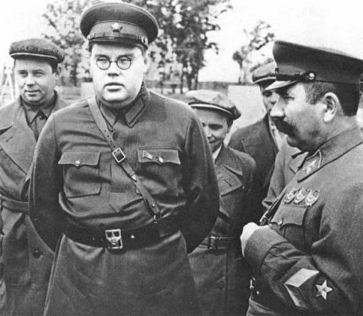 Генерал-полковник Александр Щербаков на фронте