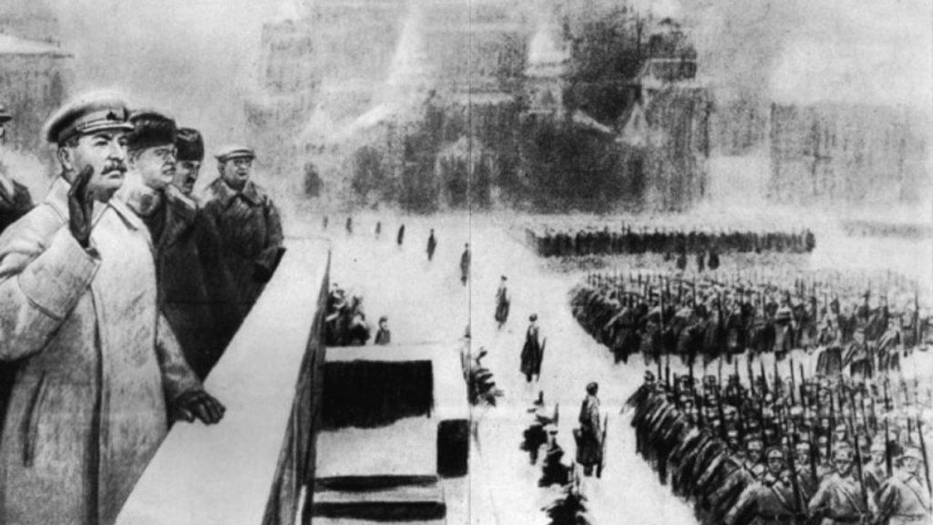 Товарищ Сталин, за его спиной Александр Щербаков
