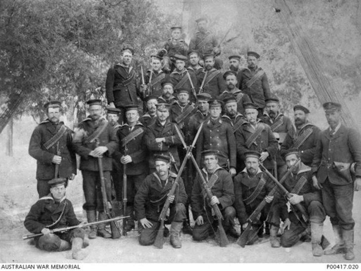 """""""Пекин, Китай, ок. 1900. Групповой портрет австралийской военно-морской бригады, служившей в Боксере""""."""