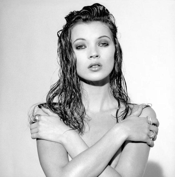 Кейт Мосс - во время фотосессии в 1992 году.