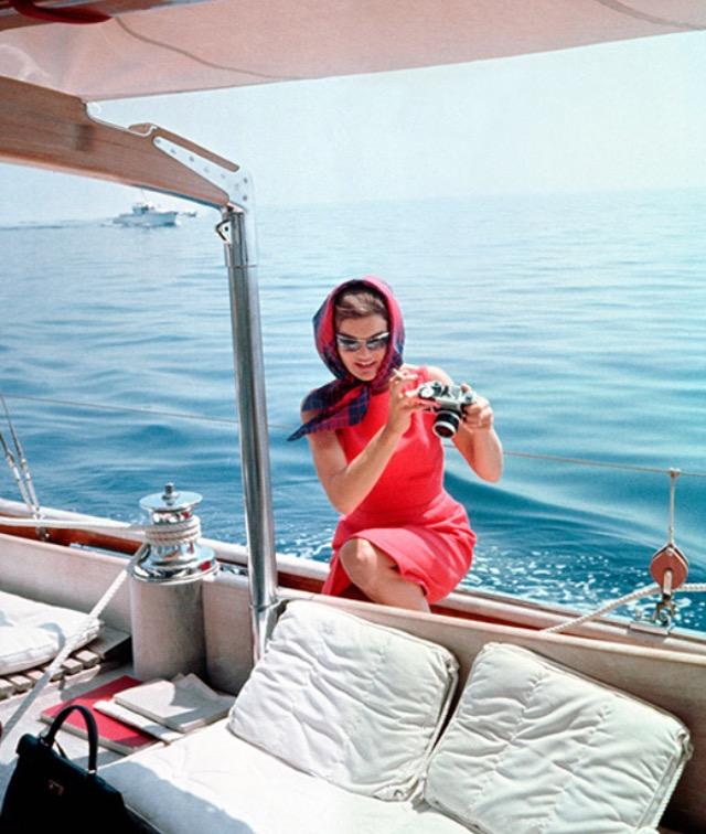 Жаклин Кеннеди не была красавицей, но в обаянии и чувстве стиля ей не откажешь.