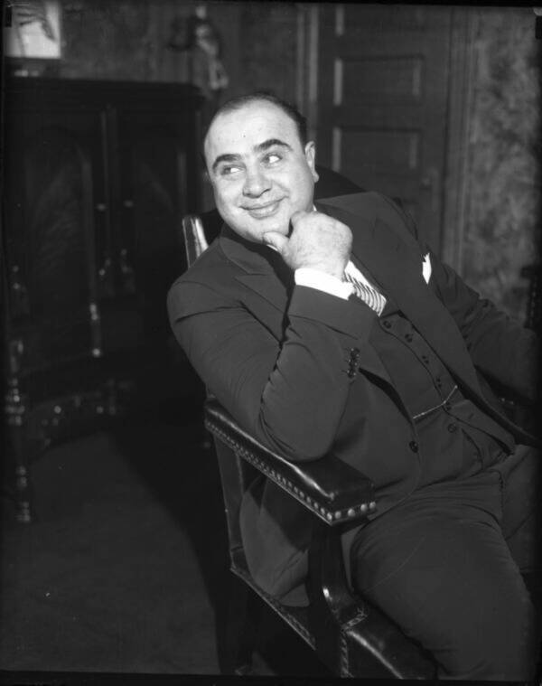 Аль Капоне в своем кресле. Октябрь 1931 года. Источник: Herald Examiner/Chicago Tribune/Tribune News Service/Getty Images