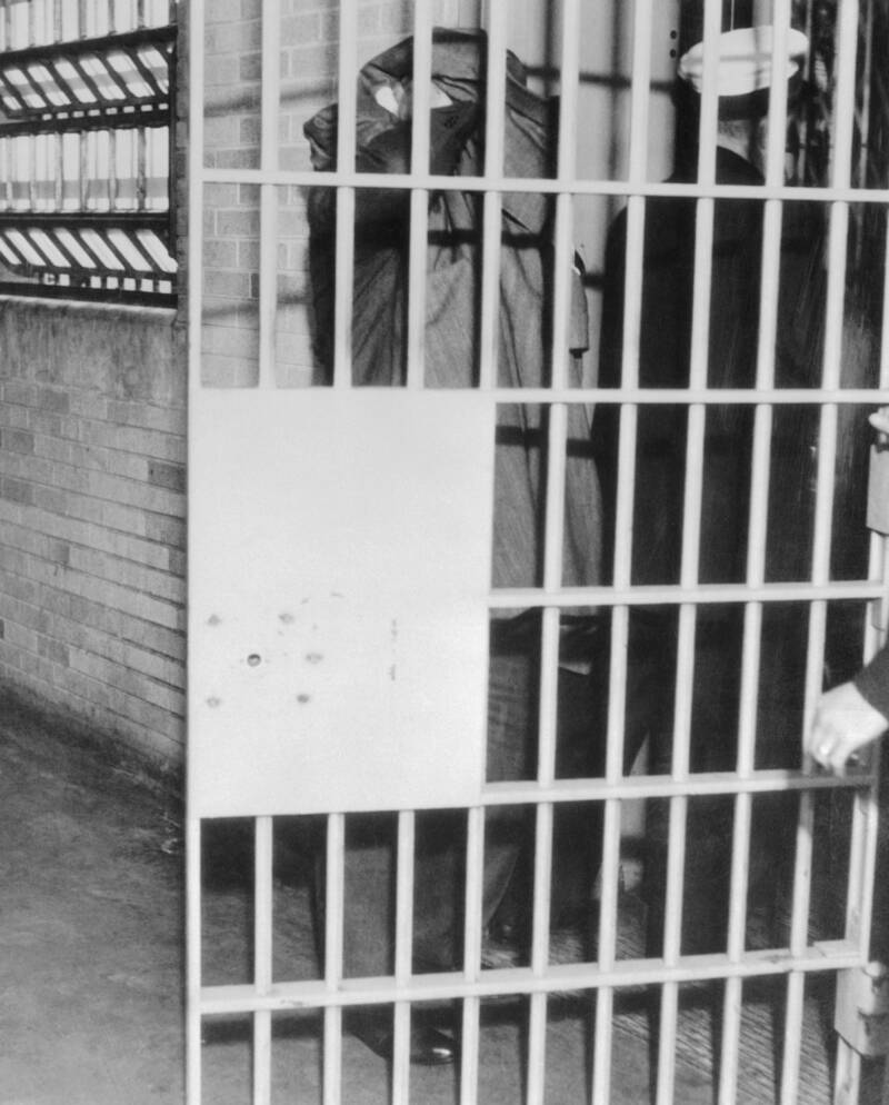 Капоне был приговорен к 11 годам тюрьмы по статье за неуплату налогов. Источник: Bettmann / Getty Images