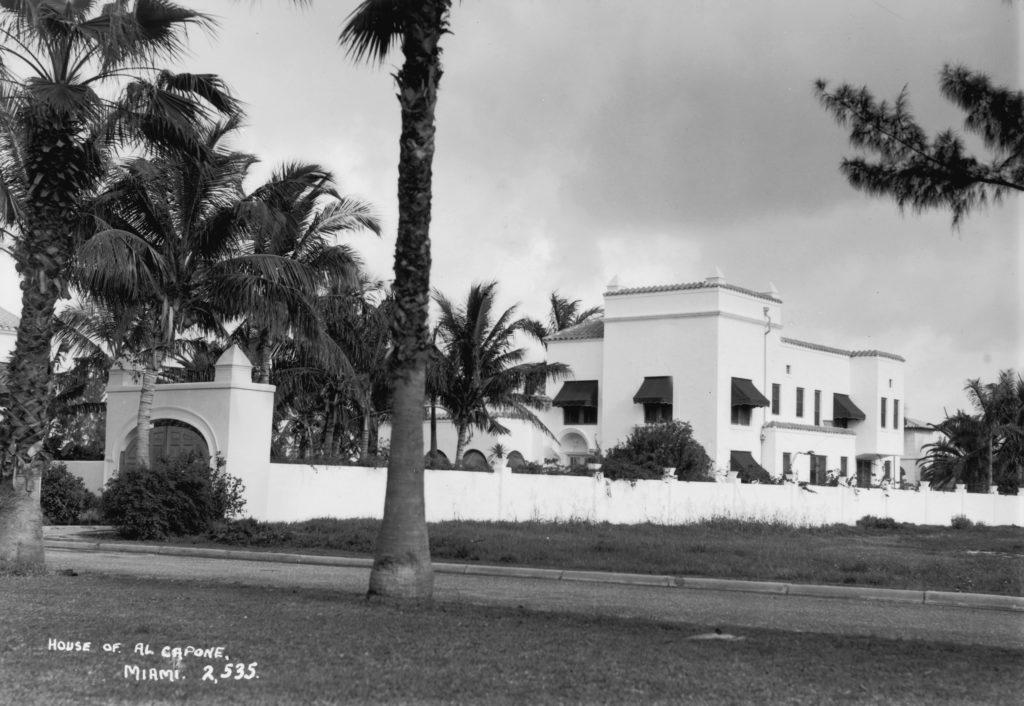 Роскошный дом во Флориде. Именно здесь он провел свои последние несколько лет жизни. Март 1938 год. Источник: Fox Photos / Getty Images