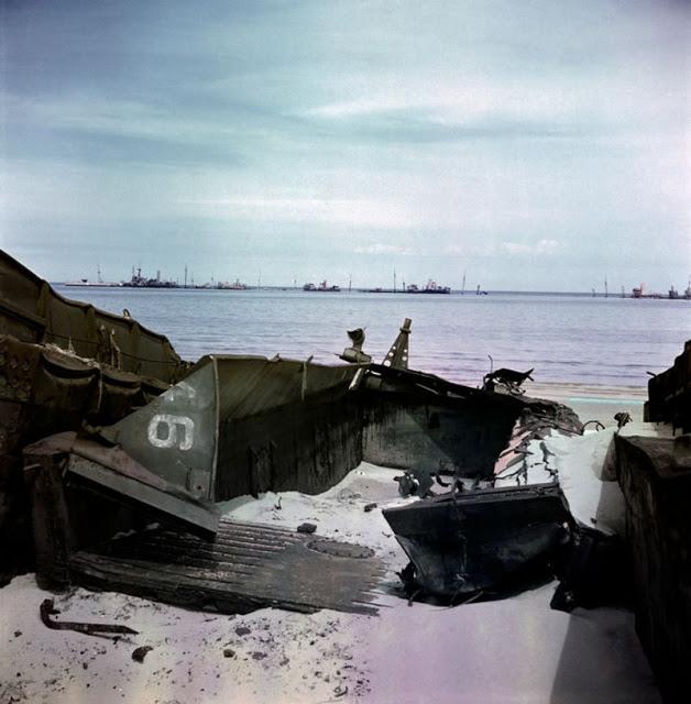 Обломки десантного катера, Нормандия, 1947 год. David Seymour/Magnum Photos Цветные фотографии Нормандии после Второй мировой Войны