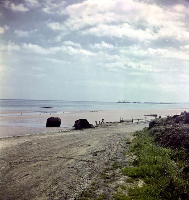 Вид на пляж, Нормандия, 1947 год. David Seymour/Magnum Photos Цветные фотографии Нормандии после Второй мировой Войны