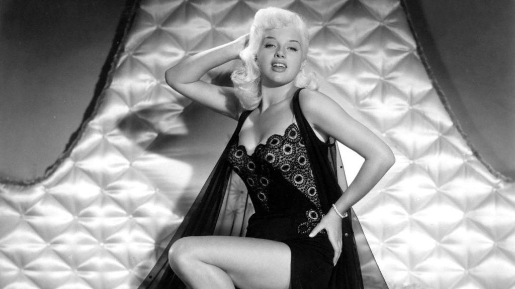 Диана Дорс. Топ-20 самых горячих блондинок.
