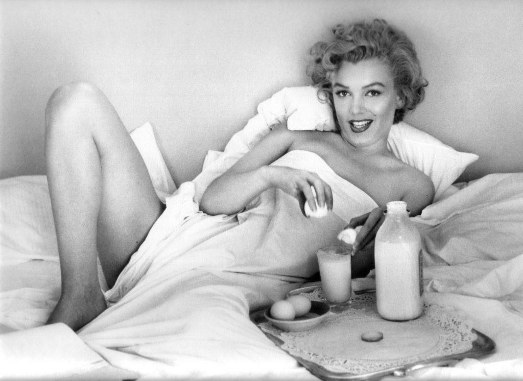 Мэрилин Монро, фотограф: Andre de Dienes. Топ-20 самых горячих блондинок.