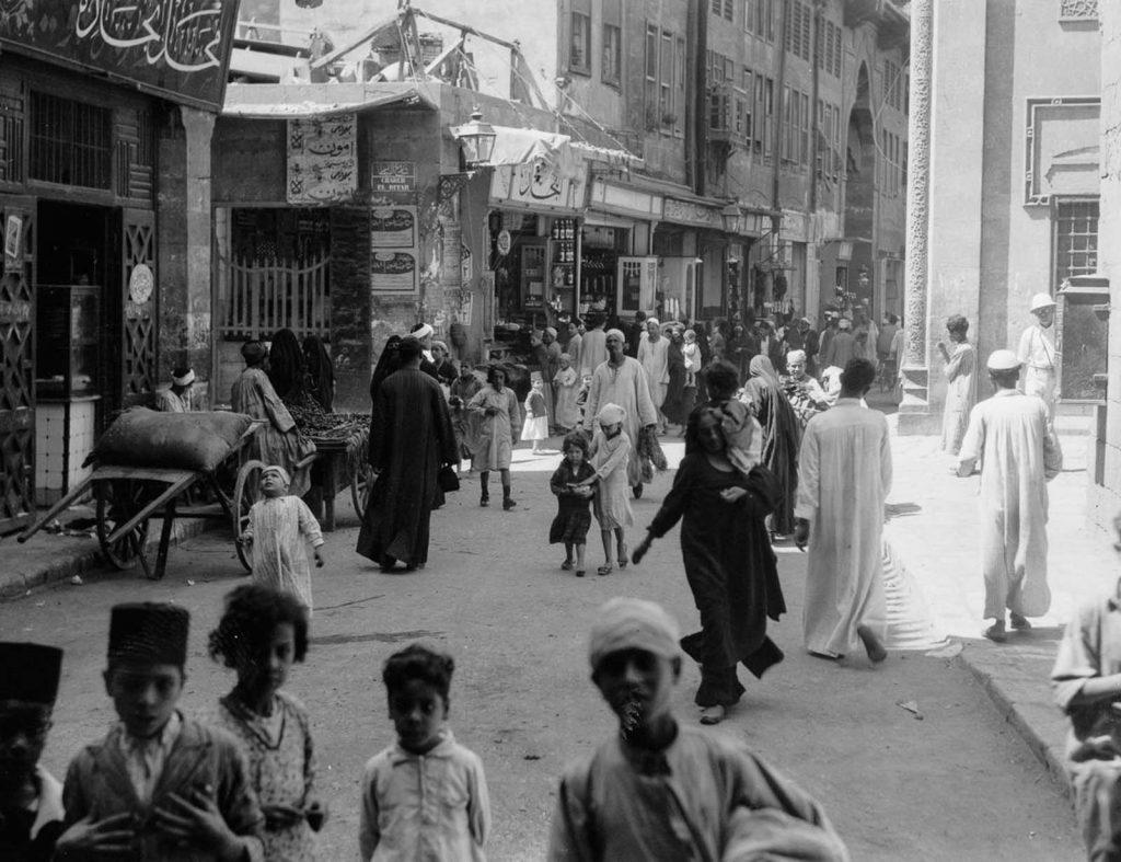 Оживленная улица в Старом Каире, к югу от Аль-Азхар, 1934 год. Источник: Library of Congress