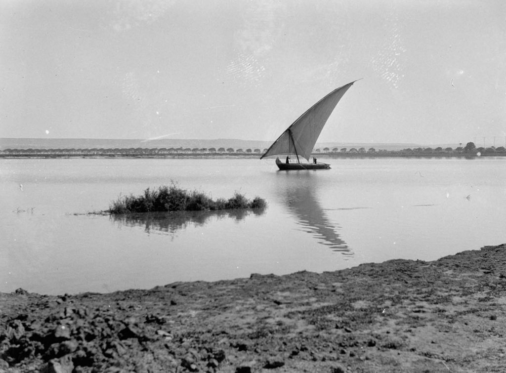 Лодка плывет по Нилу. 1934 год. Источник: Library of Congress
