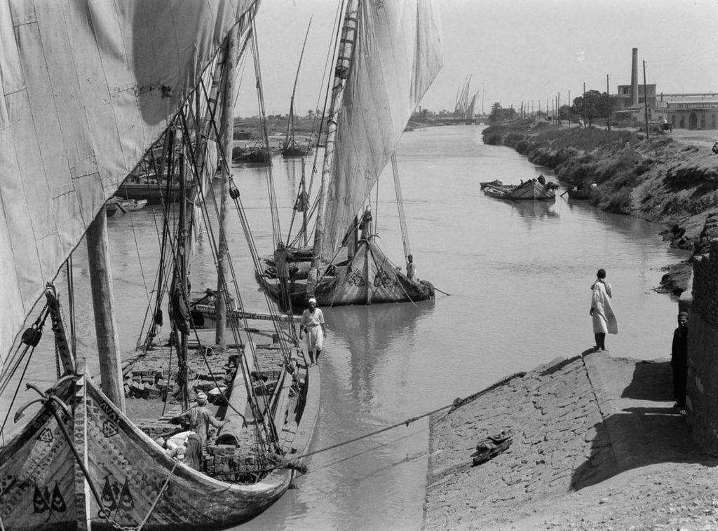 Лодки заходят к порту у берегов Нила. 1934 год. Источник: Library of Congress