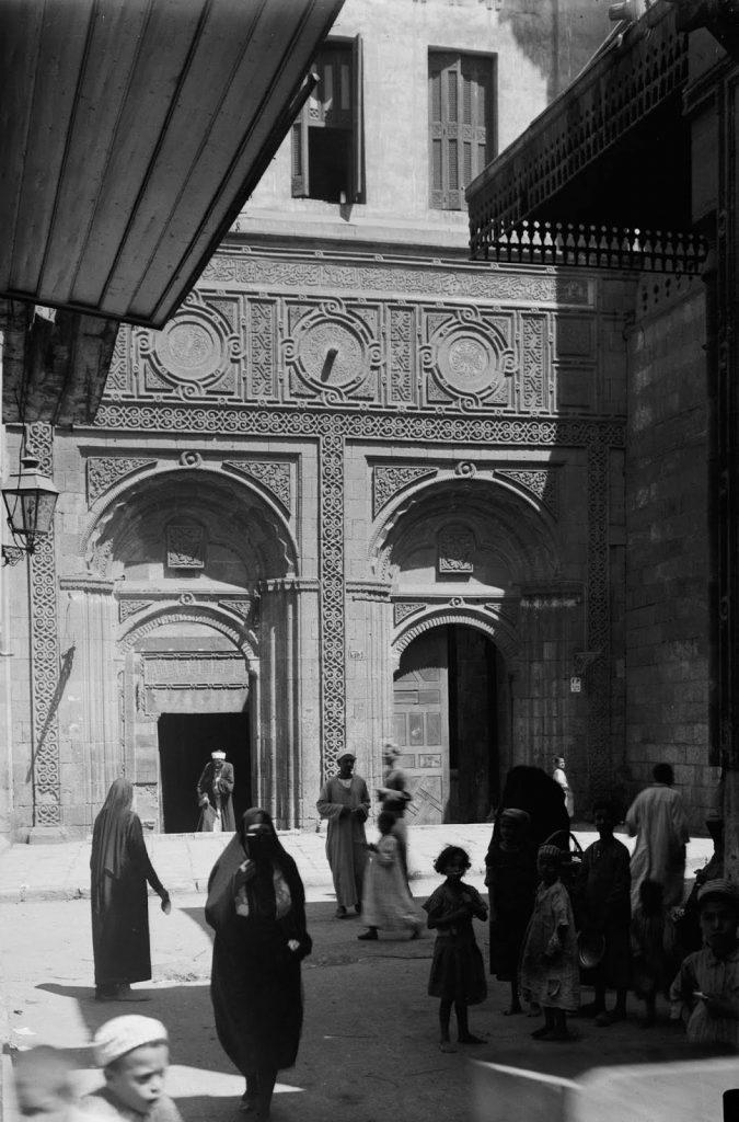 Южный вход в мечеть аль-Азхар, 1934 год. Источник: Library of Congress