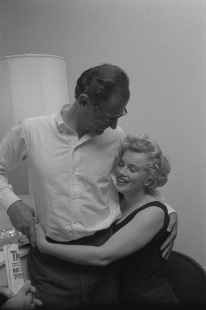 Супруги в своей квартире, в Нью-Йорке. 1958 год. Источник: Robert W. Kelley-LIFE
