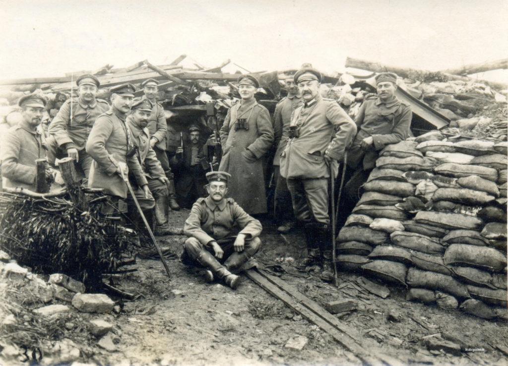 Солдаты Российской Империи в окопах.