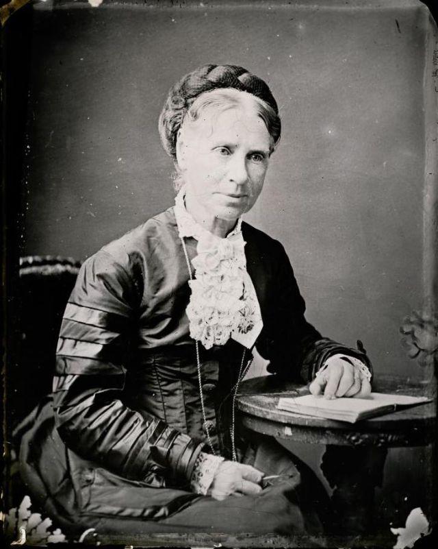 Миссис Дэвис, студия братьев Фримен, 1871-1880 гг.
