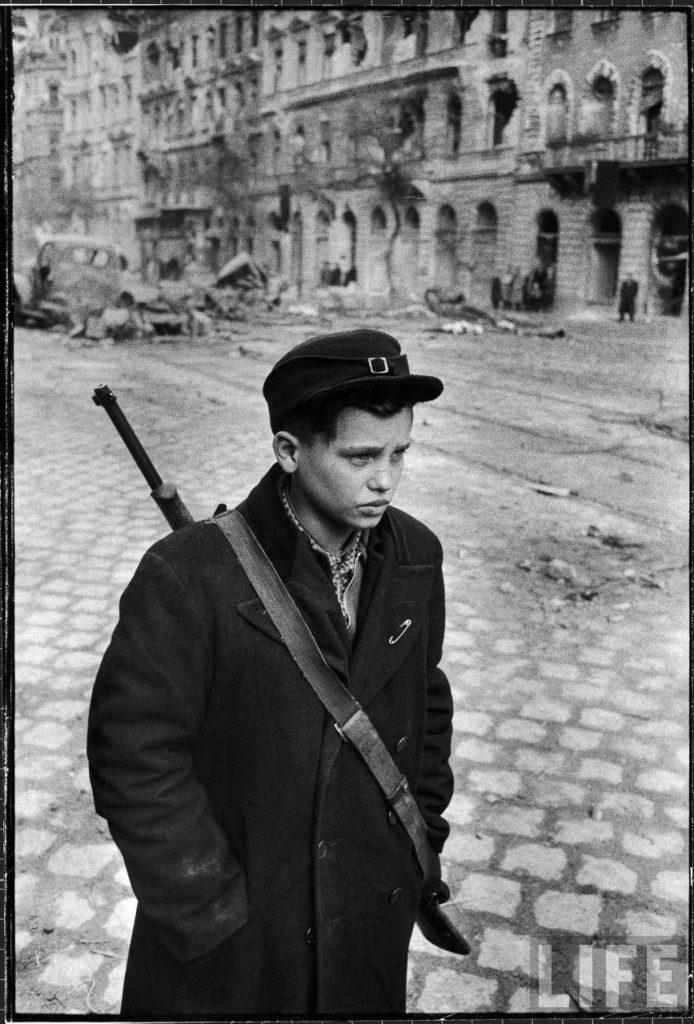 Венгерский борец за свободу во время революции против поддерживаемого Советским Союзом правительства.