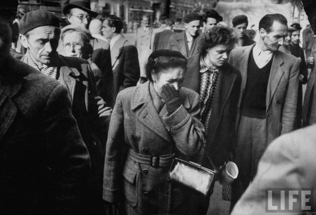 Повстанческие демонстрации в Будапеште во время восстания против поддерживаемого Советским Союзом венгерского режима.