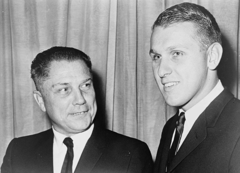 Джимми Хоффа (слева). Источник: wikipedia