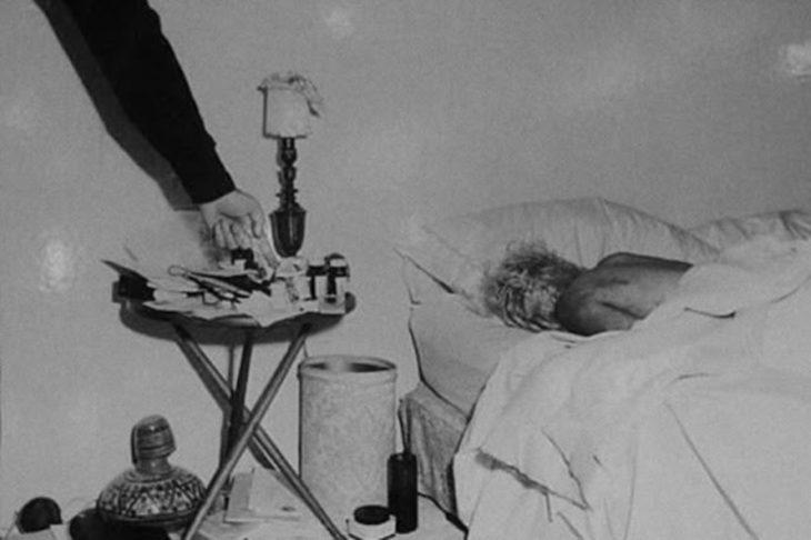 Безжизненное тело Мэрилин Монро.