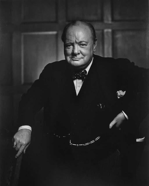 Знаменитая фотография Уинстона Черчилля, сделанная Юсуфом Каршем