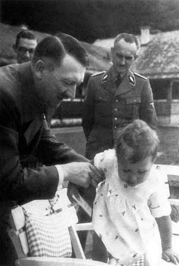 Адольф Гитлер и Хуго Йоханнес Блашке.