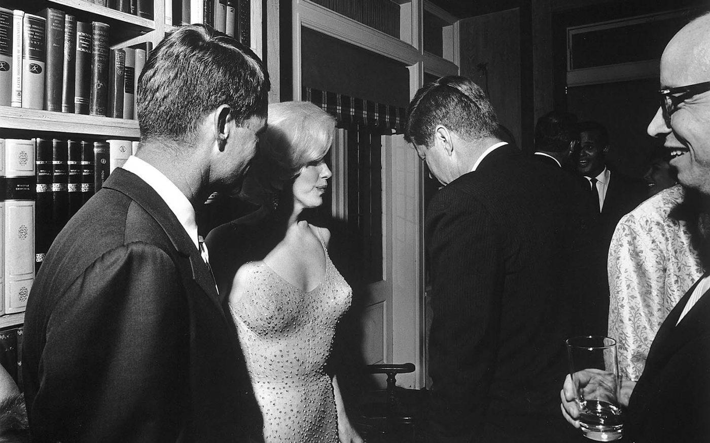 Фотография Президента Кеннеди и Мэрилин Монро, 1962